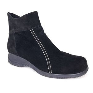 La Canadienne Felicia Ankle Boots Booties Suede